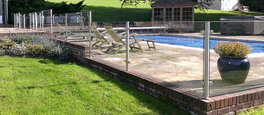 stainless steel pool surround glass balustrade